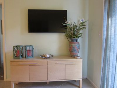 Living Room Flat Screen TV, Clean lines, no fuss - Fiddlers Cove