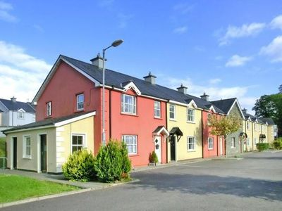Photo for Terraced Houses Dalewood, Glengariff  in Cork - 6 persons, 3 bedrooms