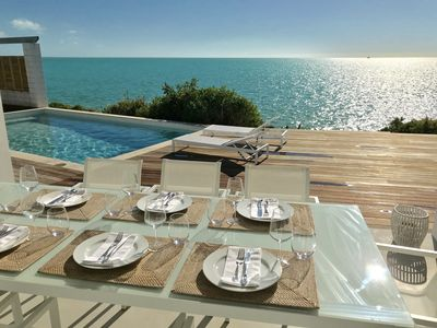 Oceanfront. Newly renovated 4 bed, private pool, water access. Holiday dream!