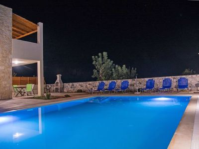 Photo for Stunning private villa for 6 guests with private pool, WIFI, A/C, TV, balcony and parking