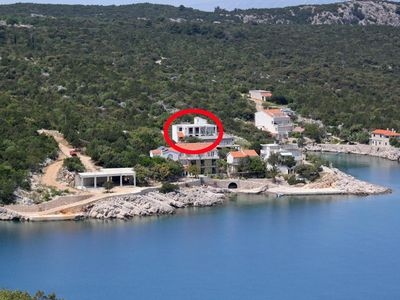 Photo for Apartment in Pokrivenik (Hvar), capacity 4+2