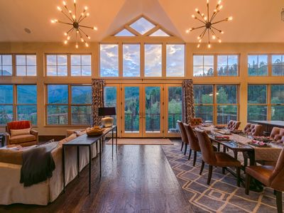 Photo for Incredible views, high-end furnishings, close to everything: Pinnacle at Cassidy Ridge