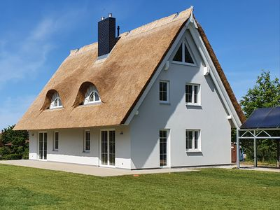 Photo for Thatched roof house 1 in Pepelow am Salzhaff