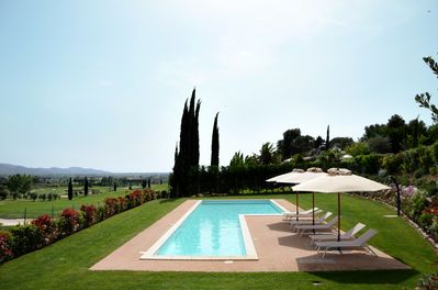 The pool is 20 metres long and lies in front of green 9 of  Toscana Golf course