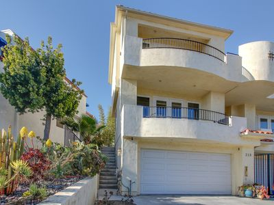 Photo for Charming townhome w/ furnished balcony & yard - near the beach, pier & dining