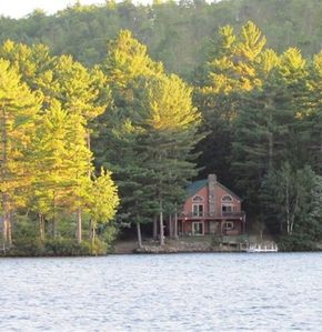 Photo for 4 Bed, 3 Bath, Spacious Waterfront Home, Mountain Views On Pristine Pine River