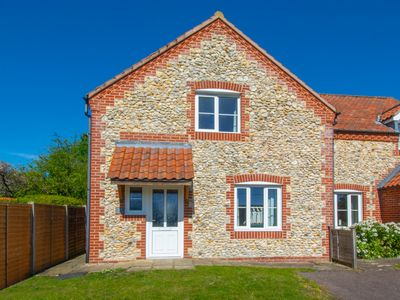Photo for Pebble Cottage - Three Bedroom House, Sleeps 6