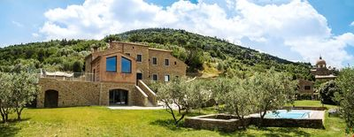 CHARMING VILLA in Cortona with Pool & Wifi. **Up to $-953 USD off - limited time** We respond 24/7