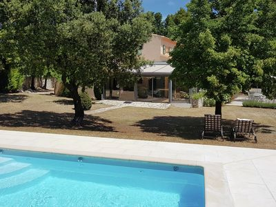 Photo for Luxurious villa with heated, private pool and panoramic views of the Luberon
