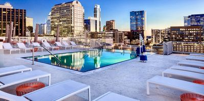 Photo for Downtown Austin - 2BR/2BA - Rooftop Pool - Walk To 6th St.