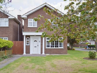 Photo for 4 bedroom property in Rhyl and Prestatyn.