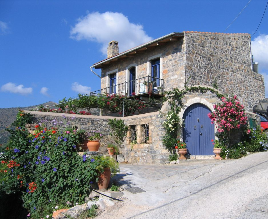 Artists Studio Apartment In A Traditional Stone House Near Sea Sleeps 2 4