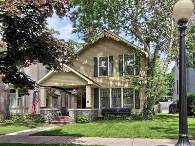 Charming Downtown Traverse City Home | Perfect for Extend Stays!