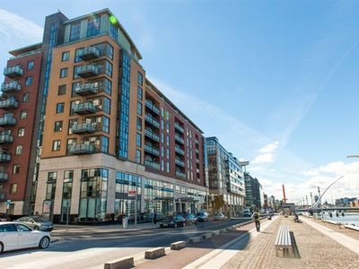 Photo for Sunny Apartment off Grand Canal Square in Dublin 2