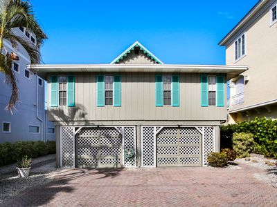 Tommy Bahama House - Architectural Designs on movado house, pottery barn house, yves saint laurent house, coco chanel house, calvin klein house,