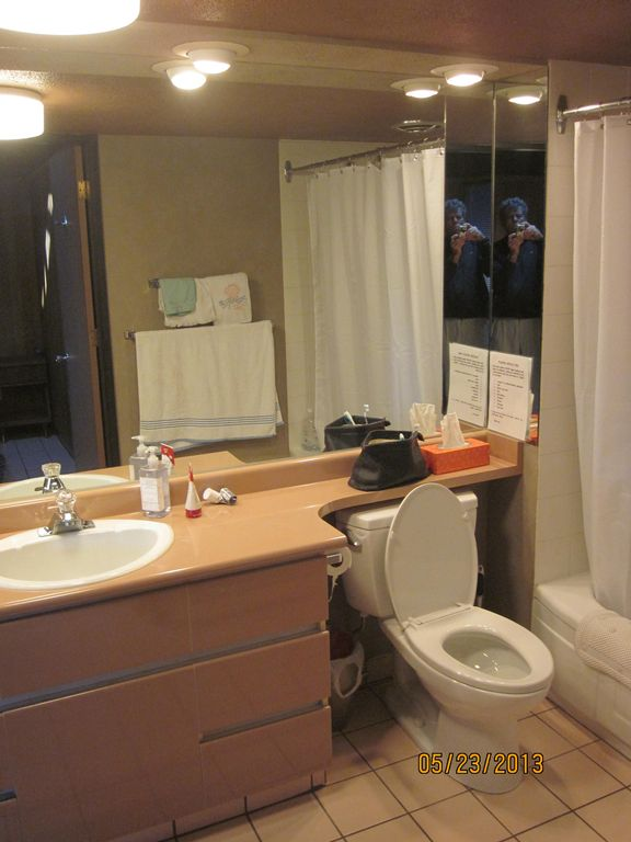 Ensuite Bathroom Vernon scotch on the rocks': 2 br vacation cabin for rent in vernon
