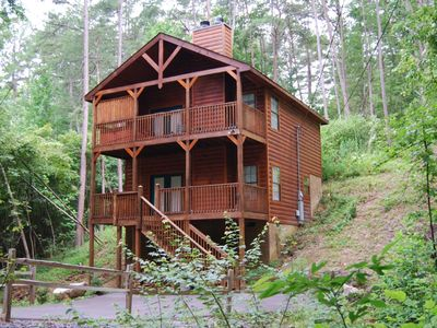 Glory Days - Luxury Cabin, Great Location, 2 Fireplaces