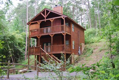 Beautiful wooded privacy with spacious parking