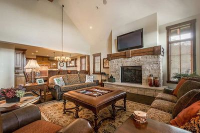 Spacious Living Room with Vaulted Ceiling, Gas Fireplace & Open Floor Plan