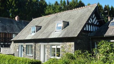 Photo for Duckling Cottage, Pullwood Bay