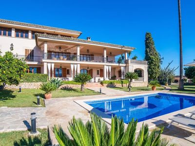 Photo for Beautiful Villa with Pool, Wi-Fi, Garden and Terrace; Parking Available