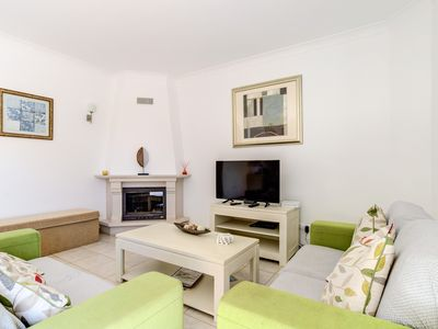 Photo for Spacious Linked Villa, Poolside location, Free WIFI, Air conditoned