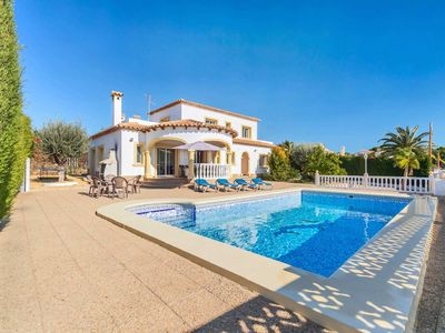 Photo for 5 Bed/3 Bath villa w/private pool, views of Calpe Rock, WIFI, table tennis. family appeal