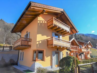 Photo for Apartment Comfort in Pinzolo - 6 persons, 2 bedrooms