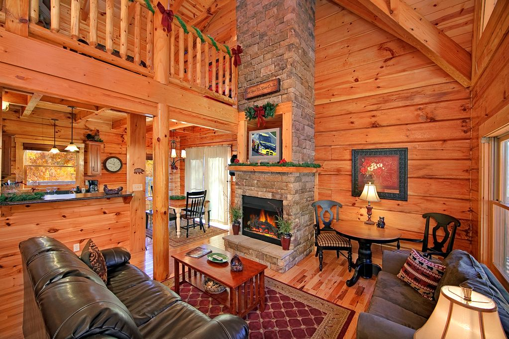 Classic 40 Bedroom Luxury Log Cabin With 40 Baths 40 Kings And Game Room Gatlinburg Extraordinary Log Home Bedrooms