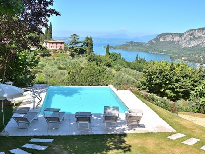 Photo for Cà Cantoni Villa With Pool Lake View