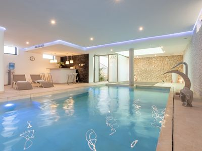 Photo for Luxury Holiday Home by the Sea with Wi-Fi, Spa, Garden, Balcony and Terrace; Pets allowed