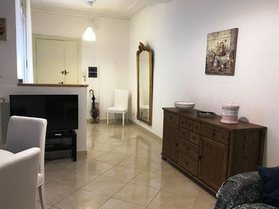 Photo for Clean and charming apartment ideally located for shopping and sightseeing.