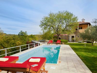 Photo for Wonderful villa with private pool, 2 bedrooms, Wi-Fi, air conditioning, table tennis, sun loungers and in the heart of the Istrian wine region