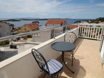 Photo for Two bedroom apartment with balcony and sea view Hvar