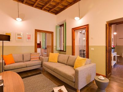 Photo for BAULLARI III Central 6 bdr apartment between Campo de' Fiori and Navona Square