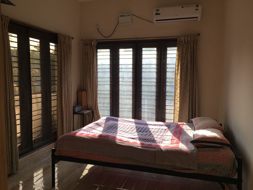 Sunlit OASIS 2BHK Flat Prime Indiranagar Close to metro, Toit, bars, restaurants