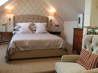 Photo for Independent guest suite, double room with en suite shower, sink, toaster, kettle