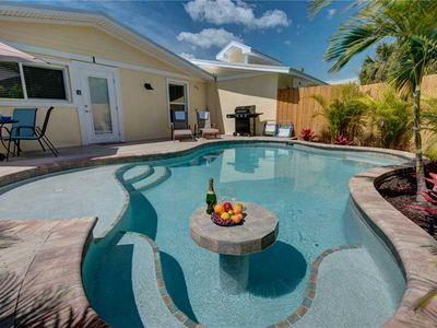 Photo for Coconut Cottage Unit 1: 3 BR / 2 BA  in Holmes Beach, Sleeps 6