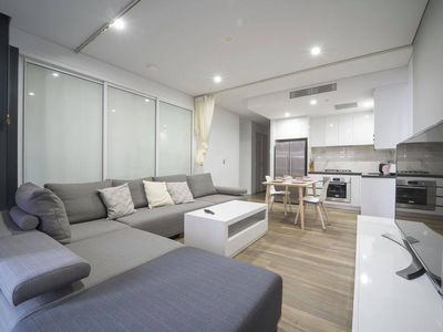 Photo for 1BR Convenient 405 in Mascot + Free Park
