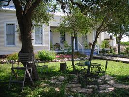 Photo for 3BR House Vacation Rental in Berclair, Texas