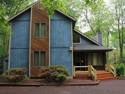 Photo for Cozy getaway for a Family Friendly Venue! Only 1 mile away from Wolf Run Lake!