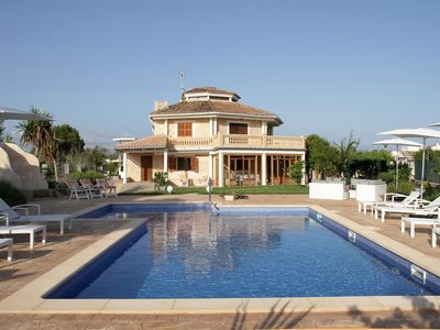 Photo for Villa 500 m from the beach, with pool, garden, organic garden and free wifi