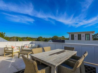 Photo for Rooftop deck w/panoramic views; walk to shops, bars & restaurants or enjoy our high end kitchen!