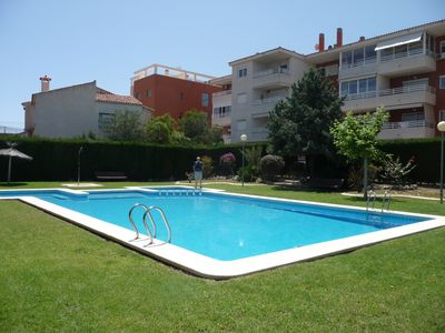 Photo for Alicante F4 rent large apartment with pool, near the beach. WIFI & French TV