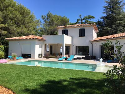 Photo for Beautiful neo-provencal villa with pool