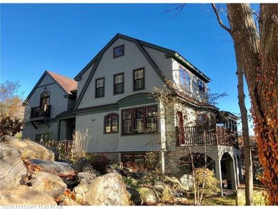Photo for Immaculate 5 Bedroom with walking distance to Ogunquit Center and Main Beach