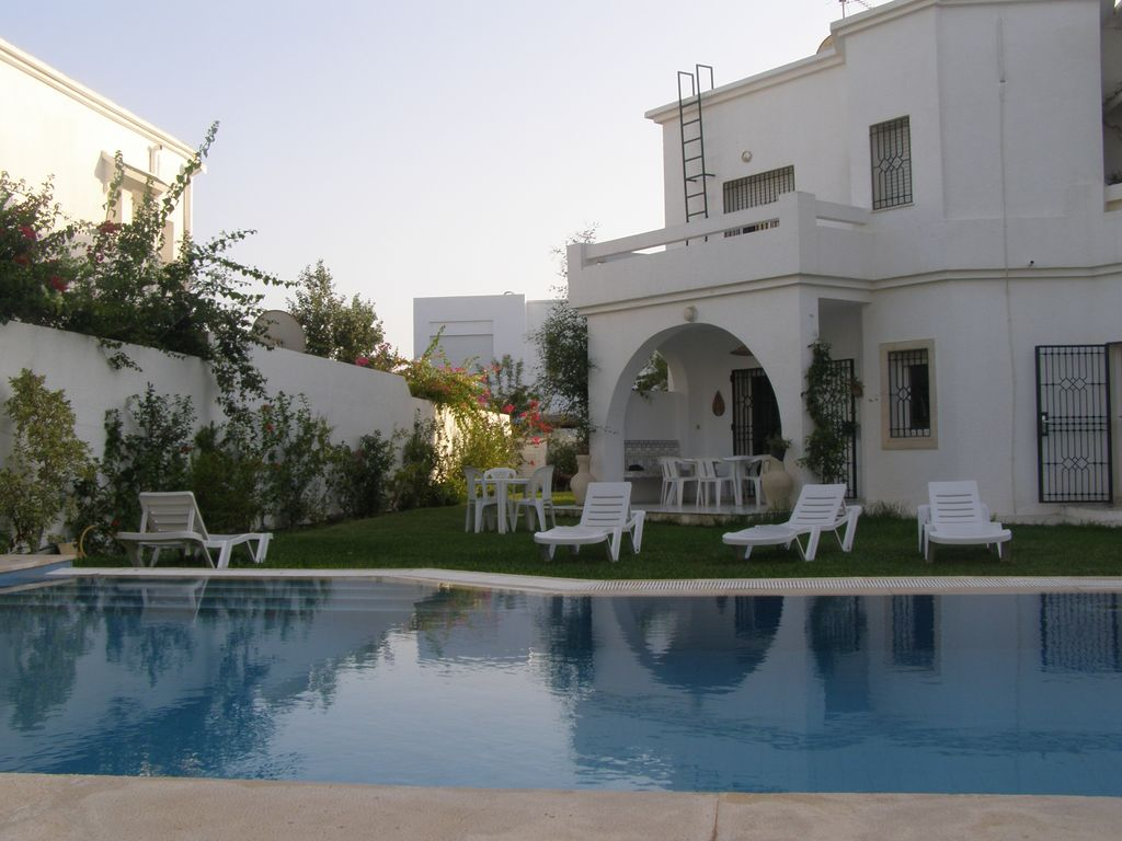 Hammamet yasmine superbe grande maison ave homelidays for Location piscine privee paris