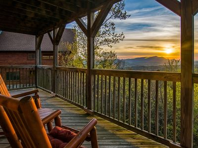 Photo for Low Rates early 2019#Dollywood#The Island#Gatlinburg# Amazing MT Sunset Vi
