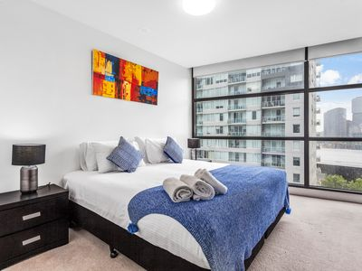 Photo for Spacious 2 bedroom apt -free parking and WIFI, walk to crown casino and MCC