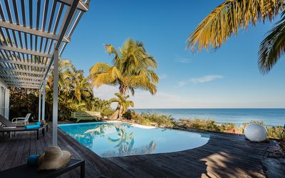 Photo for Superb Villa With Pool Facing The Sea